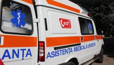 Șoldănești: O femeie și-a găsit copilul de 11 ani în comă alcoolică