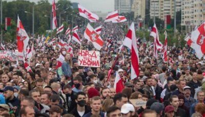 Noi manifestaţii de amploare în Belarus. Mii de oameni au ieșit și astăzi pe străzile din Minsk