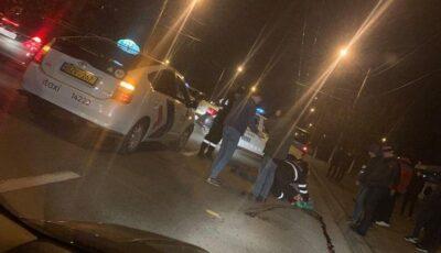 Video! Momentul accidentului în care un tânăr este lovit de taxi în Capitală