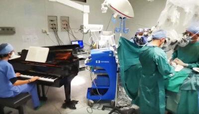 Italia: Un copil a fost operat, în timp ce un muzician cânta la un pian în sala de operaţii