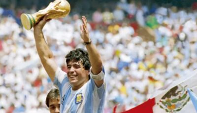 A murit legenda fotbalului, Diego Maradona