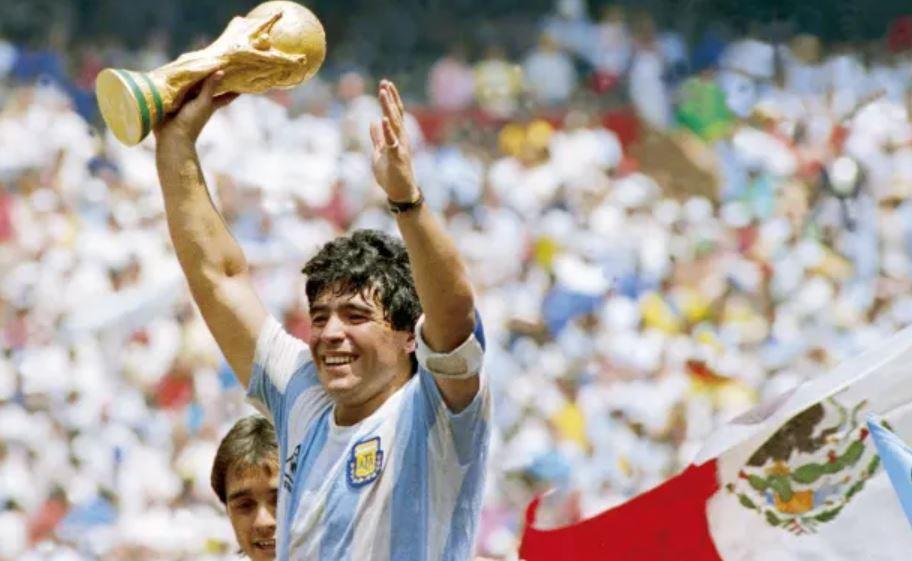 Foto: A murit legenda fotbalului, Diego Maradona