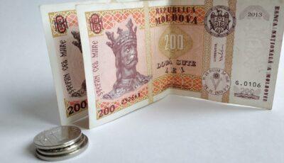 Moldovenii au nevoie de un salariu de peste 13 mii lei pentru a nu pleca din țară