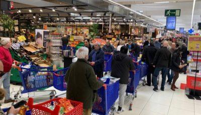 Studiu: În acest moment, supermarketurile sunt locurile în care britanicii ar putea să se infecteze cel mai ușor cu coronavirus