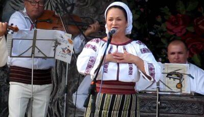 Artista de muzică populară Ioana Căpraru luptă în spital cu noul Coronavirus. Va urma și o perioadă de reabilitare