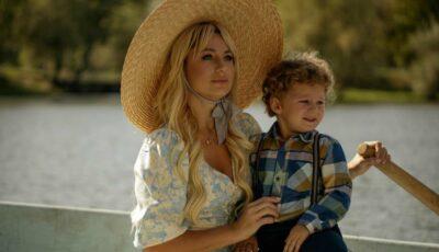 Natalia Gordienko a lansat videoclipul în care apare alături de fiul ei, Christian! E o dedicație pentru toate mamele