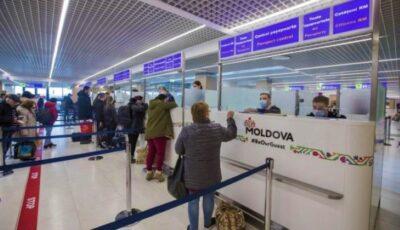 Moldovenii din Marea Britanie se întorc în număr mare acasă. Nouă avioane aterizate astăzi pe Aeroportul Chișinău