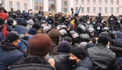 Poliția a confirmat că a folosit gaze lacrimogene împotriva agricultorilor