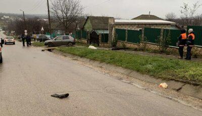 O femeie care se deplasa pe marginea carosabilului, spulberată mortal de un Audi la Sângerei