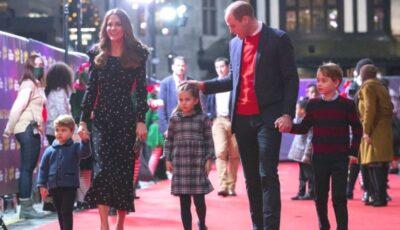 Prințul William și ducesa de Cambridge au făcut publică fotografia lor de Crăciun!