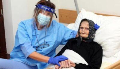 Cum s-a vindecat de Covid-19 o bătrânică de aproape 100 de ani