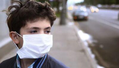 Noua tulpină de coronavirus afectează mai mult tinerii sub 20 de ani, arată un nou studiu