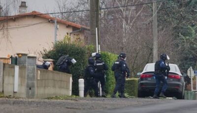 Caz cutremurător în Franța. Trei ofițeri au fost împușcați mortal în timp ce încercau să salveze o femeie agresată de soț