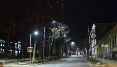 Să fie lumină! Două străzi din Capitală au fost conectate la iluminat stradal modernizat
