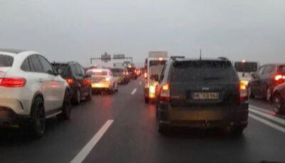 Cetățenii români se întorc acasă: trafic infernal în Austria și Ungaria. Se circulă cu 1 km pe oră