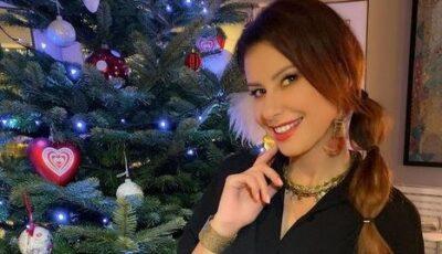 Atmosferă caldă de Crăciun! Natalia Barbu, lângă brad alături de soț și fiul Victoraș