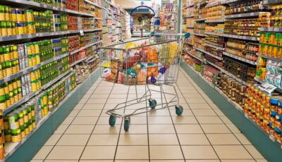 Magazinele din țară sunt obligate să aibă pe rafturi cel puțin 50% produse autohtone