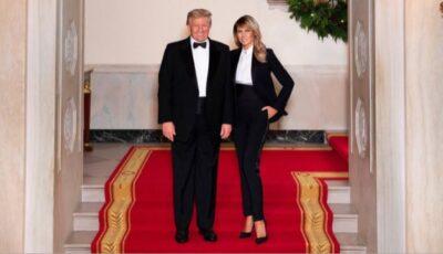 Melania și Donald Trump și-au asortat ținutele în ultimele fotografii de Crăciun realizate la Casa Alba