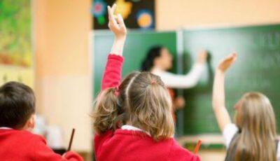 Decizie de ultimă oră a CNESP: măști de protecție și distanță socială la matineele din școli