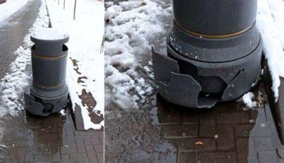 """Un coș din centrul capitalei, din ,,material rezistent cu design modern"""", a cedat după prima zăpadă"""