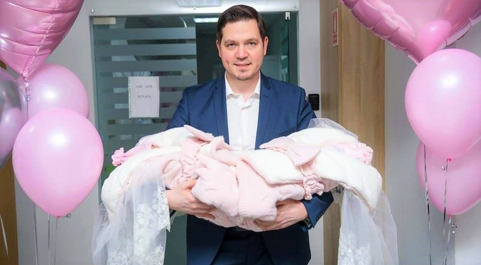 Foto: Fostul ministru de Externe Tudor Ulianovschi a devenit tată a două fetițe gemene