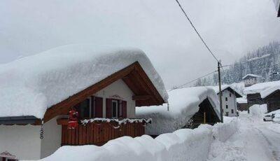 Zăpadă de până la 2 metri în Italia. Salvatorii au intervenit în forță