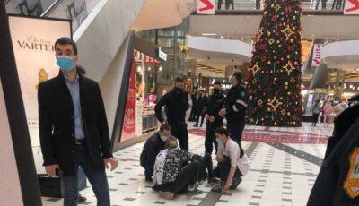 Un adolescent a căzut în gol într-un mall din Capitală. Băiatul filma un video pentru Tik Tok