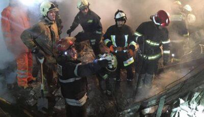 Video! Momentul în care salvatorii scot de sub dărâmături victimele exploziei de la Sângerei