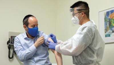 Un ministru vrea libertăţi sporite în pandemie pentru cei care s-au vaccinat