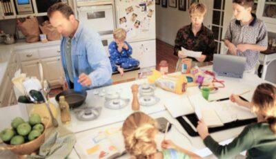 De ce unii membri ai familiei fac Covid și alții nu, deși stau în aceeași casă? Explicația medicului