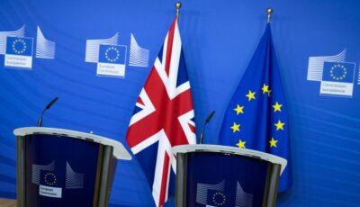 Engleza va rămâne limba oficială a UE, confirmă Comisia Europeană