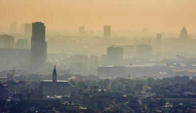 Zeci de mii de europeni mor anual din cauza poluării aerului