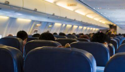 Un tânăr nu a putut urca în avionul prăbuşit în Indonezia din cauză că i-a întârziat rezultatul testului Covid
