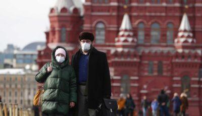 Scade numărul cazurilor noi de Covid-19 în Rusia