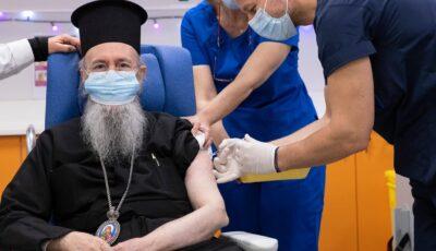 """ÎPS Hierotheos al Greciei s-a vaccinat anti-Covid: """"Am fost vaccinat, altfel probabil că nu aș fi în viață"""""""