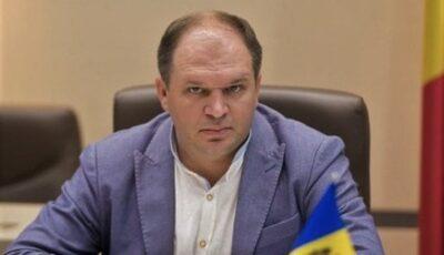 """Primarul Ion Ceban, despre străzile Capitalei: ,,Pot să-ți sară dinții când nimerești în diferite capcane"""""""