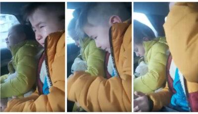 Video. Doi copii care pleacă din Moldova plâng foarte tare după casa bunicii
