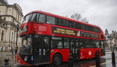 Marea Britanie este copleșită de numărul mare de cazuri Covid. Autobuze londoneze, transformate în ambulanțe improvizate