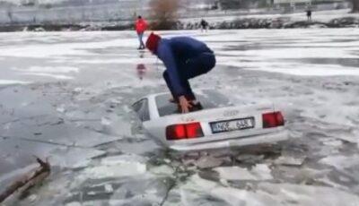 Tânărul care și-a scufundat mașina în lac a fost identificat de poliție. Cu ce amendă s-a ales