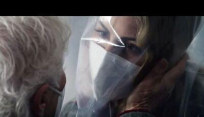 """""""Camera îmbrățișărilor"""" – spotul emoționant creat de autoritățile din Italia, în cadrul campaniei de vaccinare anti-Covid"""