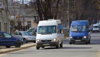 O rută de microbuze din capitală și-a sistat activitatea, după decizia CNESP