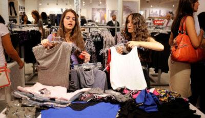 Efectele pandemiei. Valoarea hainelor nevândute a ajuns la cifra record de 160 miliarde euro