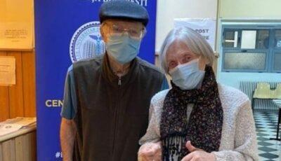 Doi bătrânei, îndrăgostiţi de 51 de ani, s-au vaccinat împreună de Dragobete