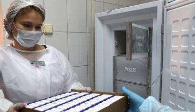 Primele loturi de vaccin anti-Covid-19 vor ajunge mâine dimineață în Ucraina