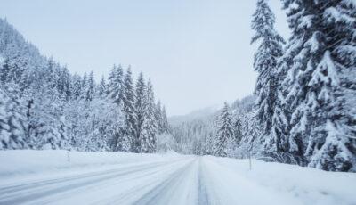 Frumusețe în Moldova! Ninge spectaculos în peste jumătate de țară
