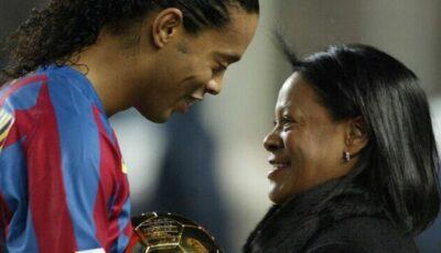 Ronaldinho, în doliu. Mama fotbalistului a murit după ce s-a infectat cu noul coronavirus