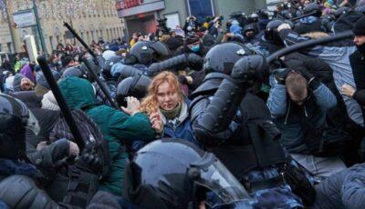 Rusia: Studenţii care au participat la protestele pro-Navalnîi, exmatriculaţi