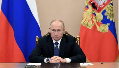 Vladimir Putin amână propria vaccinare anti-Covid