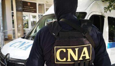 Descindere CNA la Cahul! Polițiști bănuiţi de abuz în serviciu şi corupere pasivă