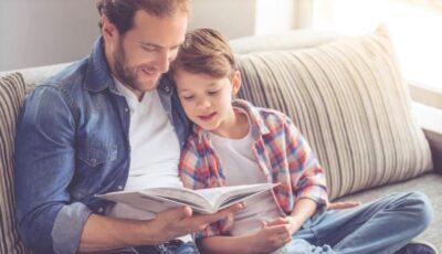 Doar 4% dintre taţii din Republica Moldova citesc copiilor cărți